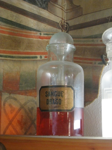 dragon's blood - pharmacia in florence, italy
